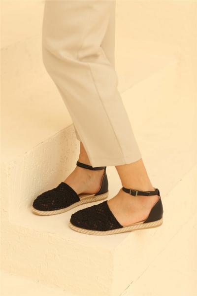 کفش تخت طرح دار برند Cömert Ayakkabı رنگ مشکی کد ty93042095