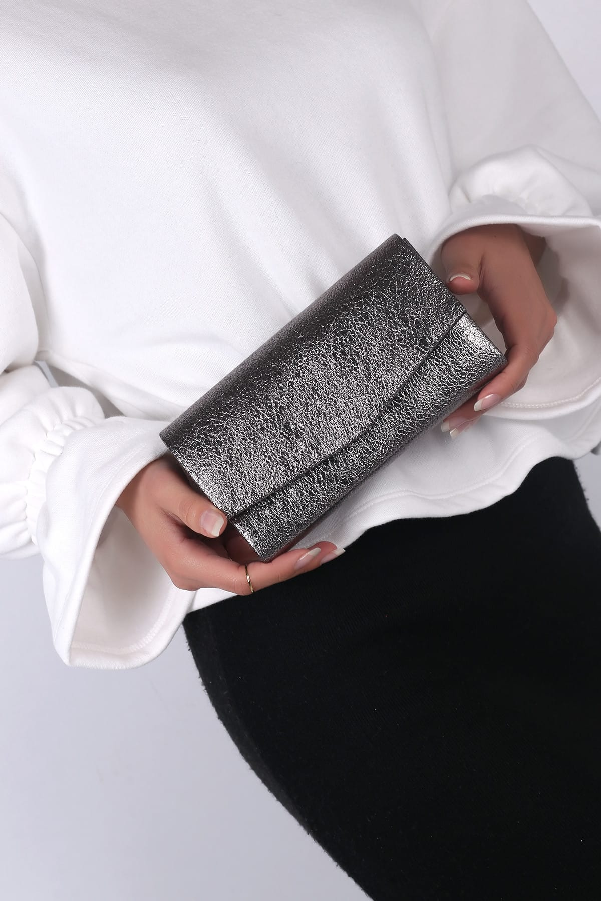 خرید نقدی کیف مجلسی دخترانه ترک  برند WMİLANO رنگ نقره کد ty3715272