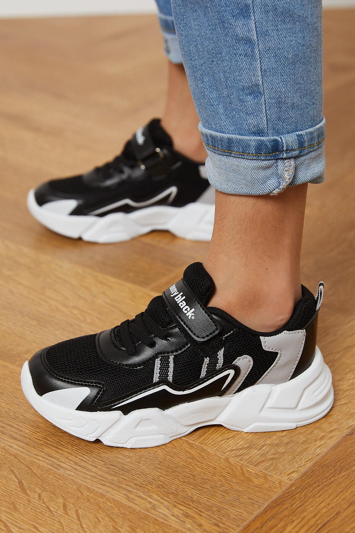 سفارش نقدی کفش اسپرت ارزان مارک تونی بلک رنگ مشکی کد ty90985470