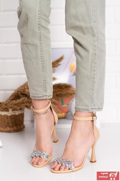 خرید کفش پاشنه بلند مجلسی زنانه شیک برند Teo رنگ بژ کد ty102956009