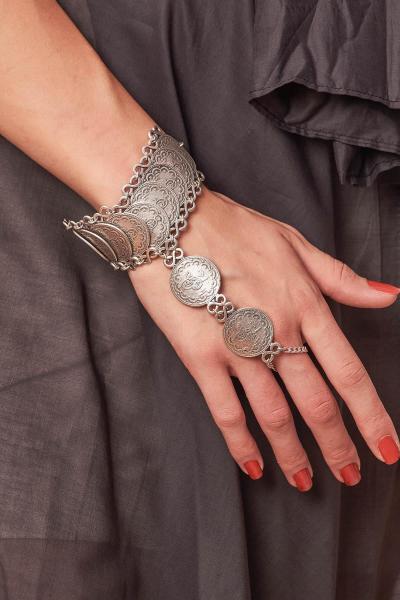 فروش دستبند انگشتی زنانه فانتزی برند ZeyDor Accessories رنگ نقره ای کد ty59342006
