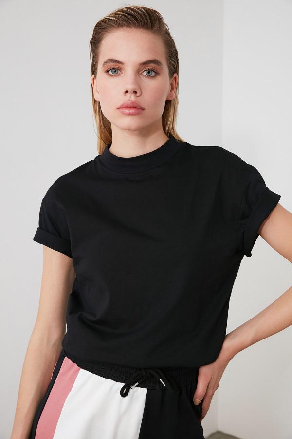 تیشرت زنانه خاص برند TRENDYOLMİLLA رنگ مشکی کد ty25139159