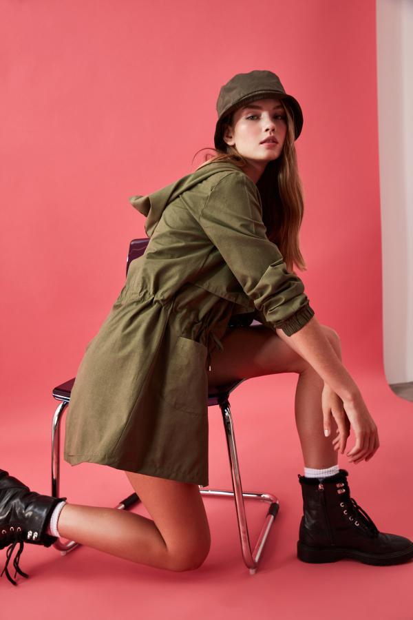 مانتو پاییزی جدید زنانه اصل مارک ترندیول میلا رنگ خاکی کد ty35027629
