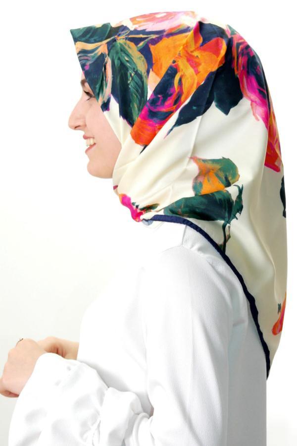 روسری دخترانه طرح دار برند Aker رنگ بژ کد ty42886214