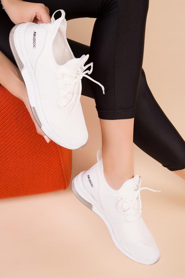 اسپرت دخترانه مارک دار برند SOHO رنگ سفید ty44476515