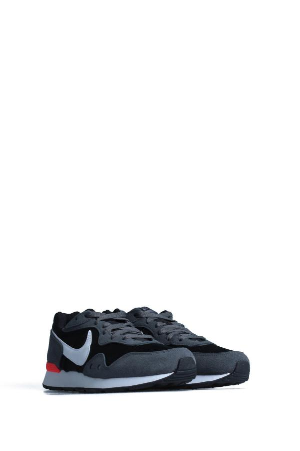خرید انلاین کفش مخصوص پیاده روی طرح دار مارک نایک رنگ نقره ای کد ty46898289