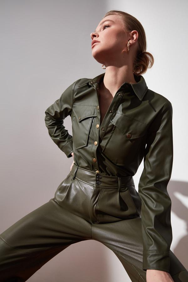 شومیز زنانه اسپرت جدید برند ترندیول میلا رنگ خاکی کد ty48273499