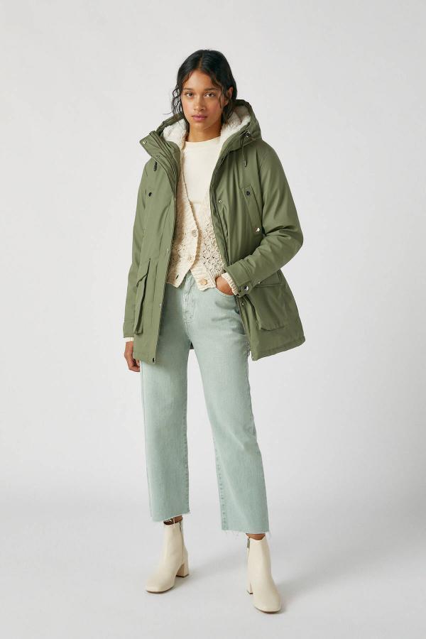 سفارش بارانی زنانه ارزان برند Pull & Bear رنگ خاکی کد ty48725877