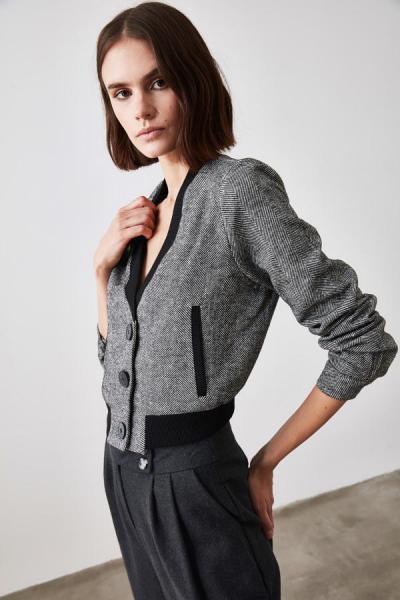 فروش نقدی ژاکت زنانه خاص برند ترندیول میلا ترک رنگ مشکی کد ty48734388