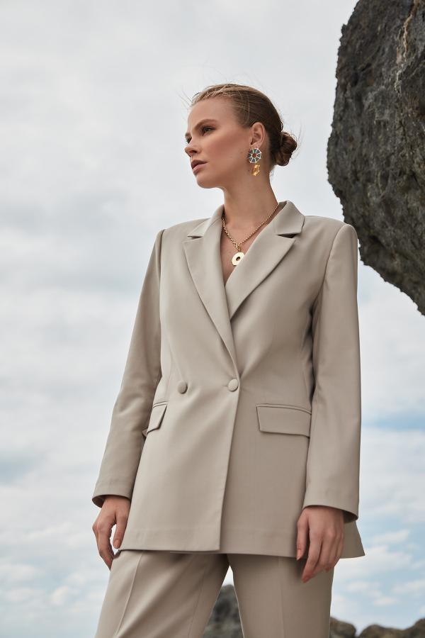 خرید پستی ژاکت شیک زنانه مارک ترندیول میلا رنگ بژ کد ty48935618