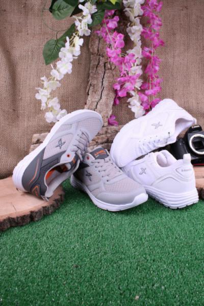 خرید نقدی کفش اسپرت پاییزی مردانه برند کینتیکس kinetix کد ty52643150