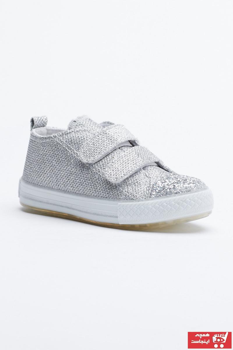 خرید  کفش اسپرت زیبا برند تونی بلک رنگ نقره کد ty83177392
