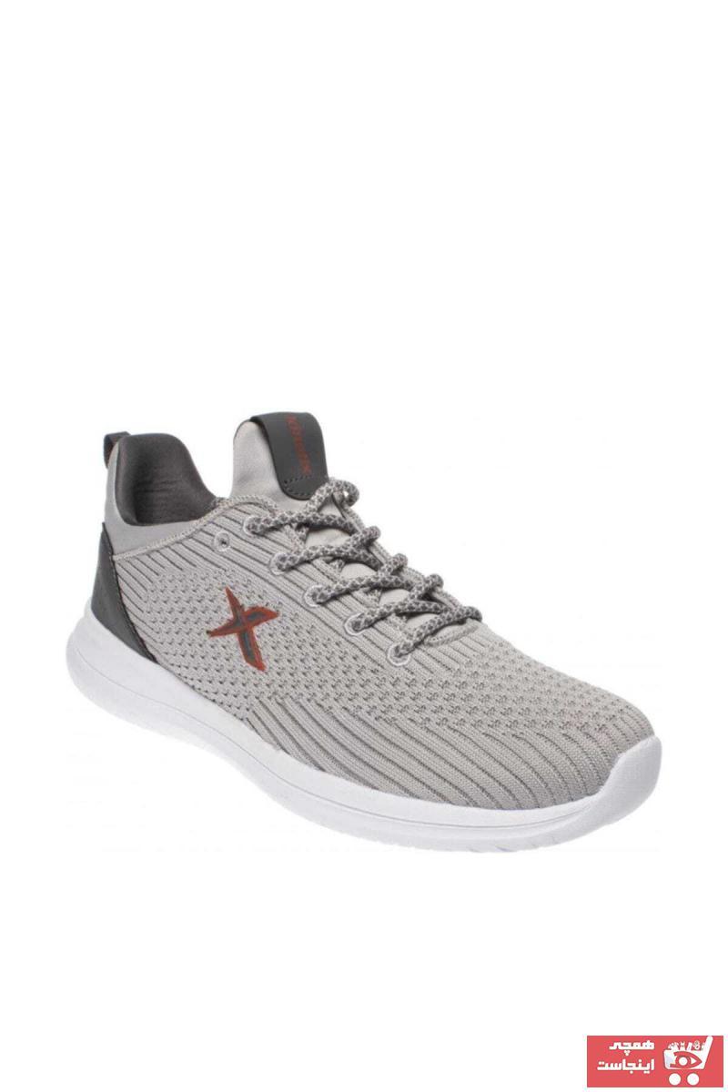 کفش اسپرت مردانه اینترنتی برند کینتیکس kinetix رنگ نقره ای کد ty6883662