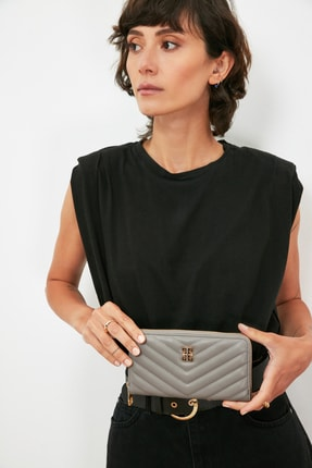 خرید کیف پول زنانه خاص مارک پیرکاردن کرمی کد ty101781144