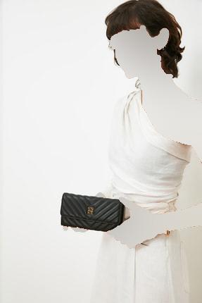خرید مستقیم کیف پول زنانه برند پیرکاردن رنگ مشکی کد ty101781153