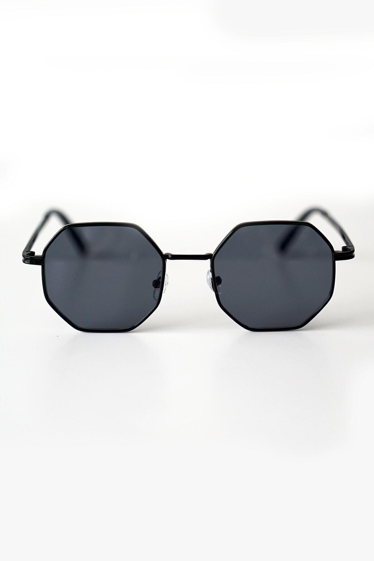عینک آفتابی زنانه طرح دار برند aksesuargo رنگ مشکی کد ty40575731