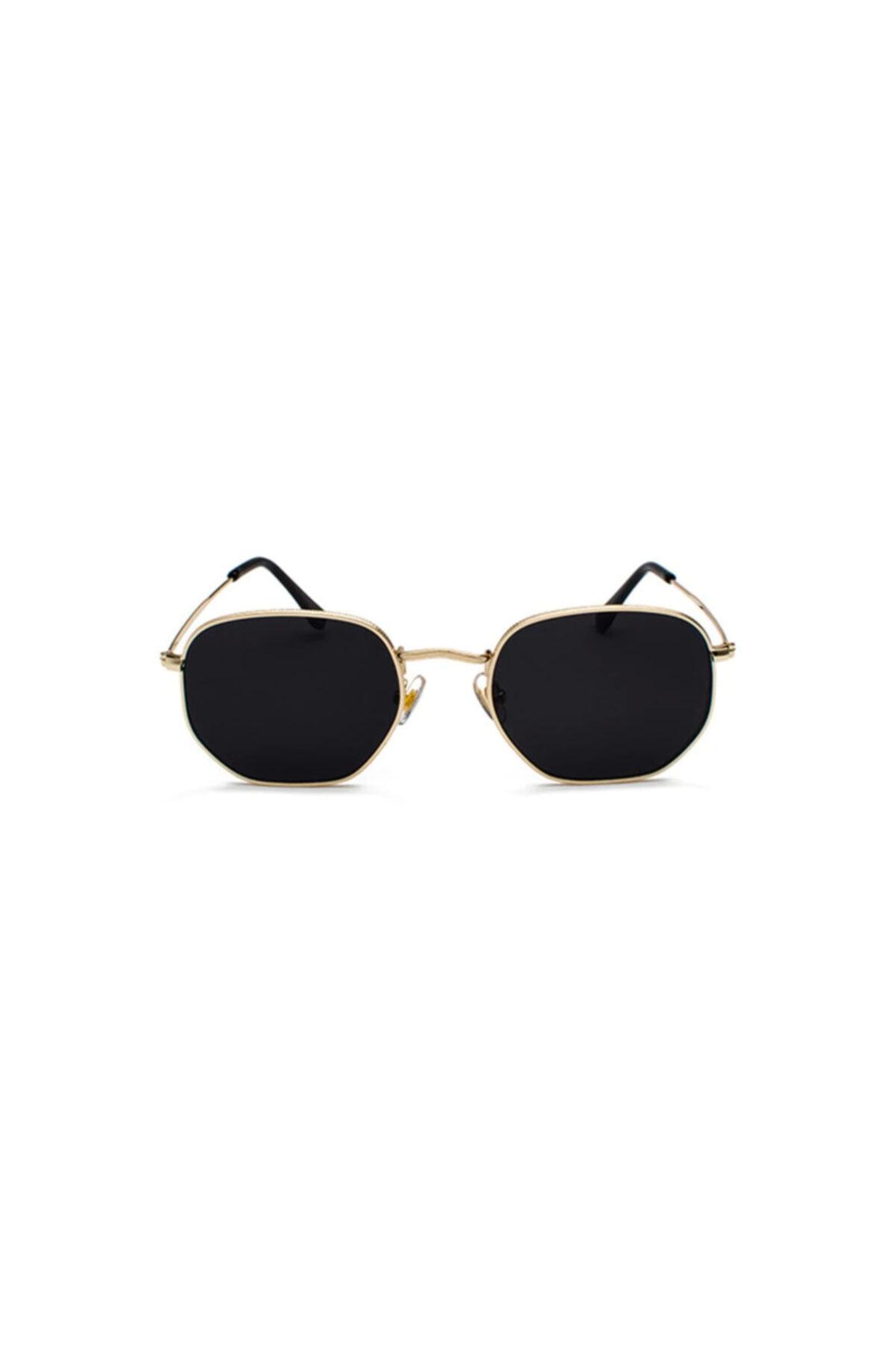 عینک آفتابی زنانه برند Mathilda Aksesuar رنگ مشکی کد ty42457456