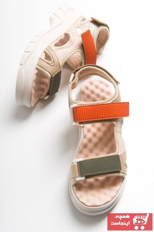 خرید پستی صندل اورجینال برند LuviShoes رنگ بژ کد ty89844455