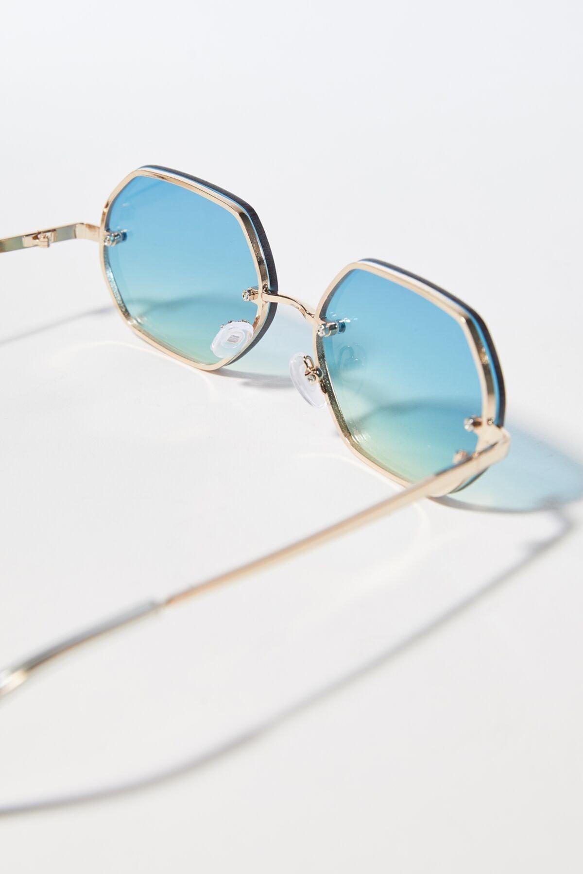 سفارش انلاین عینک آفتابی مردانه ساده برند bershka رنگ طلایی ty92940803