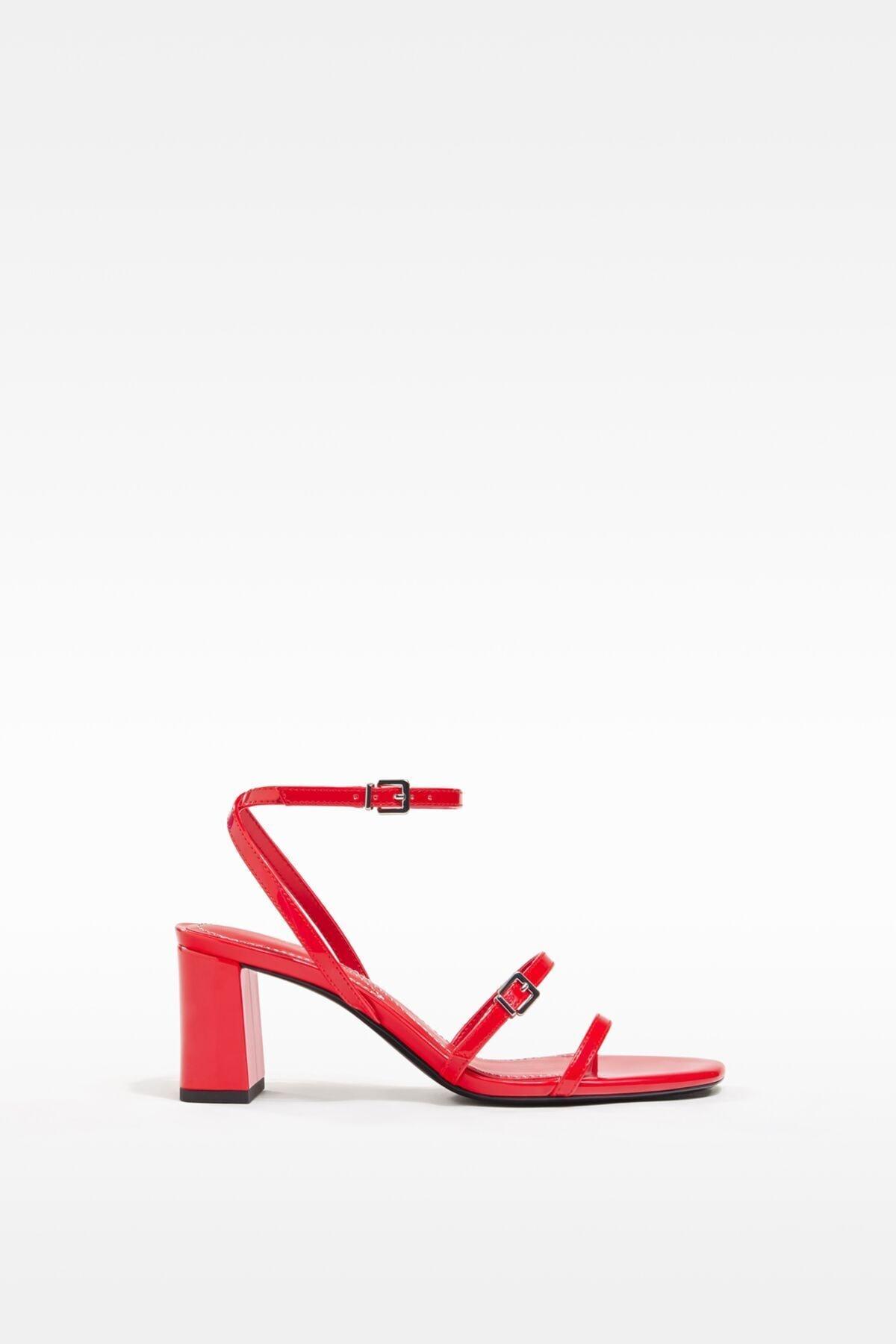 خرید اینترنتی صندل دخترانه برند bershka رنگ قرمز ty94190208