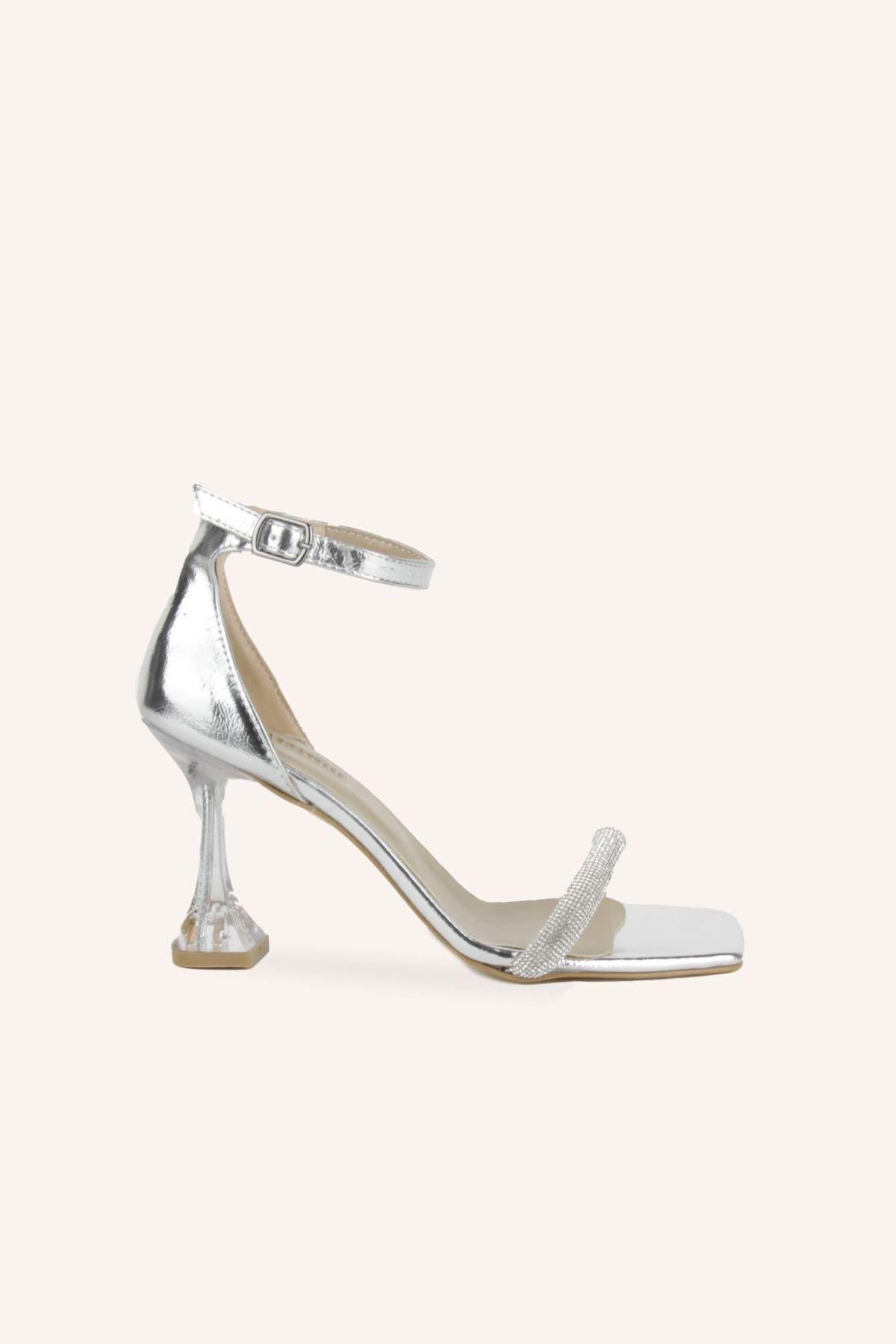 خرید انلاین کفش پاشنه بلند مجلسی زنانه ترکیه برند MARCATELLI رنگ نقره کد ty95171761